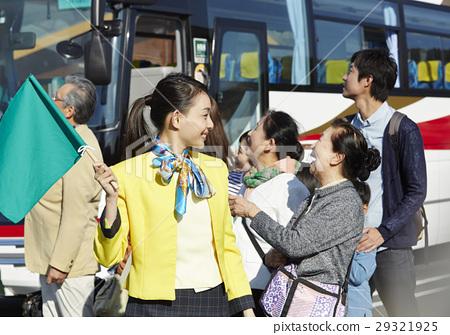 버스 투어, 서비스 지역, 인물 29321925