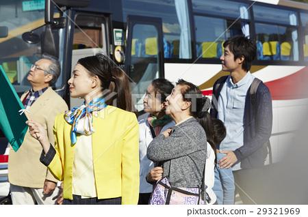 游客 乘公交旅行 休息站 29321969