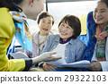 老人 乘公交旅行 旅客 29322103