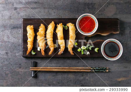 Fried tempura shrimps with sauces 29333990