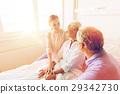 senior,woman,clinic 29342730