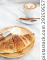 croissant with coffee 29359557
