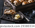 Hot cross buns 29380334