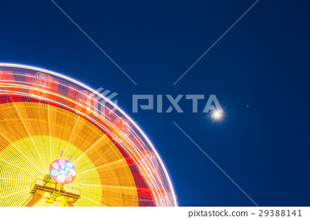 Motion Blurred Of High Speed Rotating Attraction 29388141