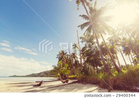Tropical beach 29400344