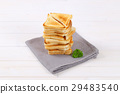 slices of toasted bread 29483540