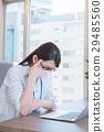 事業女性 文書工作 流行性感冒 29485560