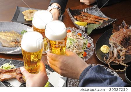 A toast in a pub 29527239