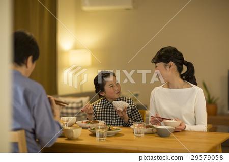 家庭晚餐 29579058