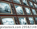 Wall of old TV screens 29582148