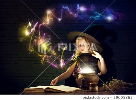 Little witch 29605863