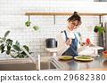 北欧女孩厨房妇女烹调 29682380