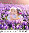 花园 孩子 花朵 29693972