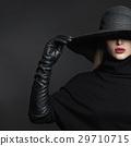 帽子 蓋 女性 29710715