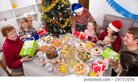 family, gifts, Christmas 29731056