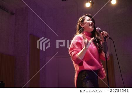 俱樂部現場歌手 29732541