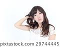 年輕女士的髮型 29744445