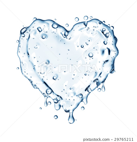 Heart from water splash with bubbles isolated  29765211