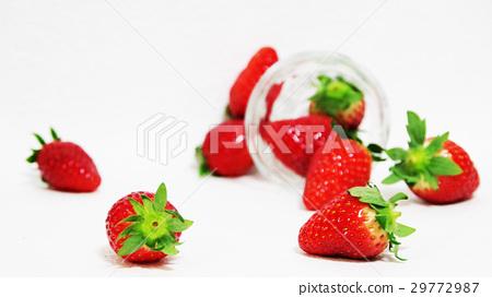딸기 유리 컵 29772987