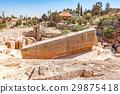 巴尔贝克的巨石(黎巴嫩,贝卡高原) 29875418