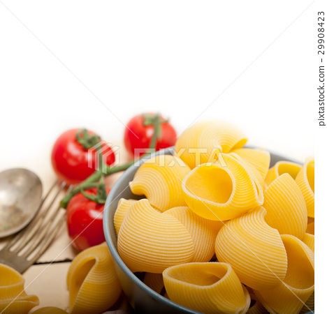 Italian snail lumaconi pasta with tomatoes 29908423