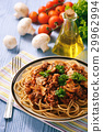 Wholegrain spaghetti with homemade bolognese sauce 29962994