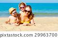 母親 海灘 孩子 29963700