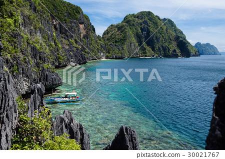 El Nido, Philippines - Tapiutan and Matinloc 30021767