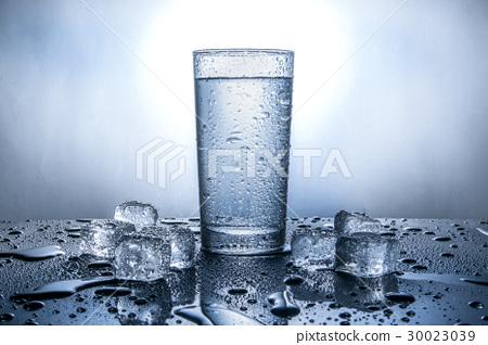 水杯與冰塊 30023039
