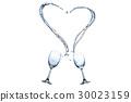 從杯中飛濺出的水組合成愛心形狀 30023159
