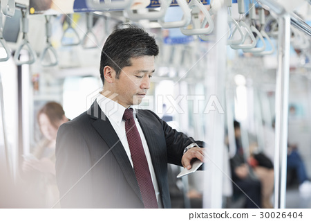 미들 사업가 전철 인물 30026404