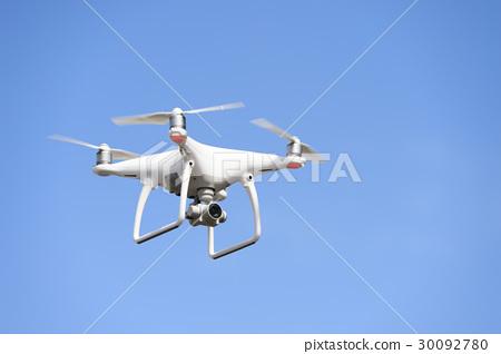 蓝天和无人机 30092780