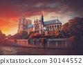 Notre Dame de Paris 30144552