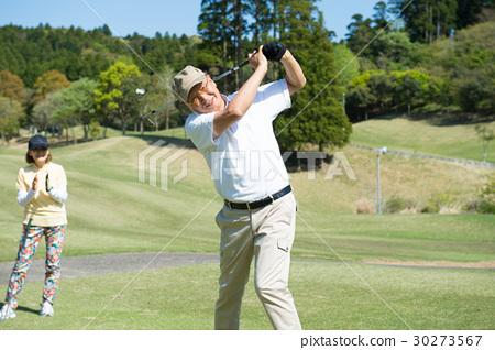 골프를하는 수석 부부 30273567