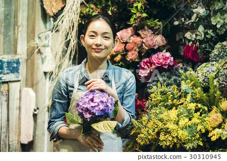 工作在花店的妇女 30310945
