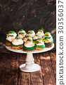 Sweet choux pastry  30356037