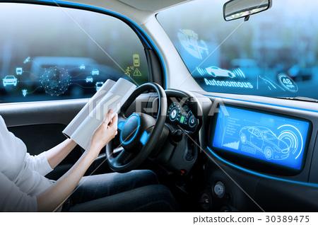 자동 운전 자동차의 운전석 30389475