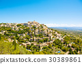 View on Gordes, a small typical town in Provence 30389861