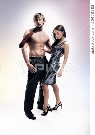 Muscular man with his elegant girlfriend 30450382
