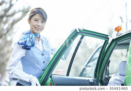 出租車女司機服務熱情好客 30481460