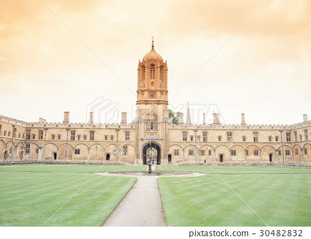 Oxford University, Oxford, UK 30482832