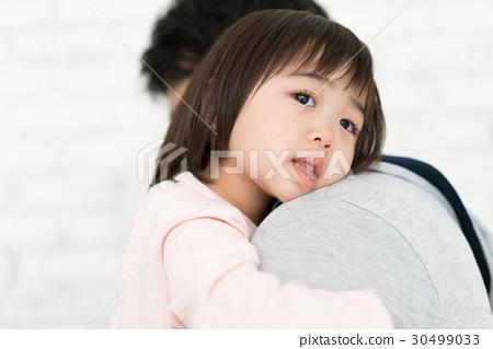 女孩要依靠他們的父親 30499033
