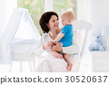 baby, mother, bedroom 30520637