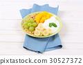 muesli granola yogurt 30527372