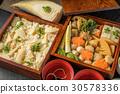 도시락 Lunch box of a bamboo shoot and rice ball 30578336