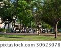 공원, 공공 시설, 레저, 스포츠, 걷기, 채팅, 놀기, 농구, 경쟁, 피트니스, 데이트, 차 만들기, 채팅 30623078