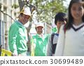 高级志愿者学校道路的安全援助 30699489