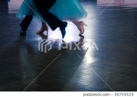 couple dancers in a dance spotlight on the floor 30759329