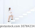 成熟的女人 一個年輕成年女性 女生 30784234