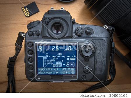 Modern DSLR camera 30806162